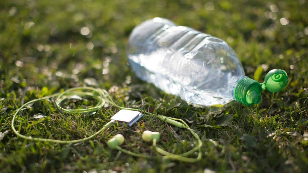 how long can you store plastic bottled water preppingplanet.com